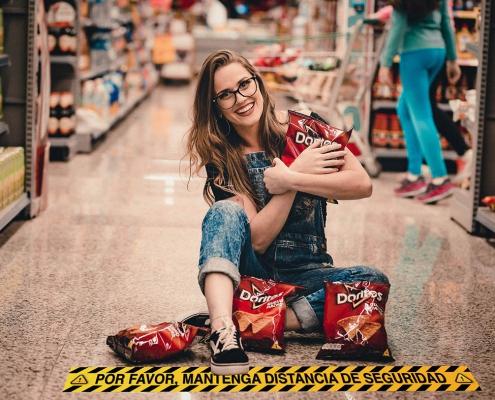 Vinilo seguridad supermercado